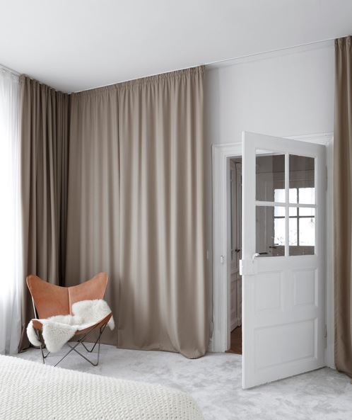 Floor to ceiling curtains - The Design Chaser via Pinterest