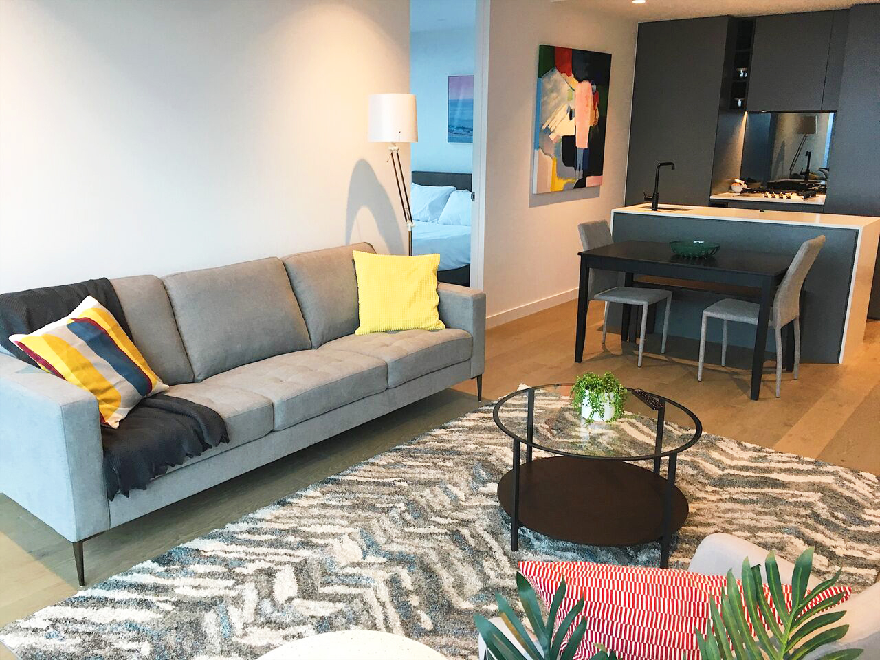 Melbourne CBD Airbnb - decorating on a budget